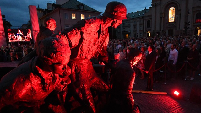 Gronkiewicz-Waltz: wojny nie należy gloryfikować, wojna jest koszmarem