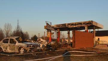 13-01-2017 10:30 Krajobraz grozy ze spalonej stacji benzynowej [ZDJĘCIA]