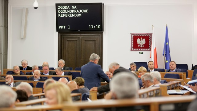 Senat. PiS: referendum należy się obywatelom; PO pyta o zasadność pytań