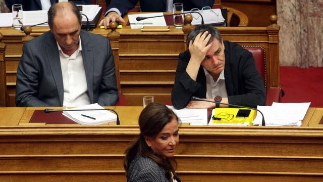 Grecja: parlament debatuje nad nowym programem pomocy