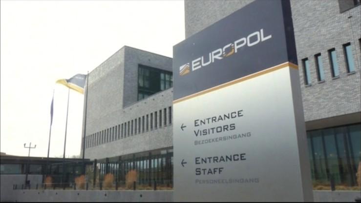 Europol ostrzega przed setkami potencjalnych terrorystów w Europie
