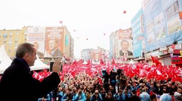 27-03-2017 11:00 Turcja: 51 proc. uprawnionych przeciwko zmianom w konstytucji