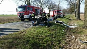 27-03-2016 19:38 Motocykl zderzył się z Fiatem Uno. Nie żyją kierowca i pasażerka auta osobowego