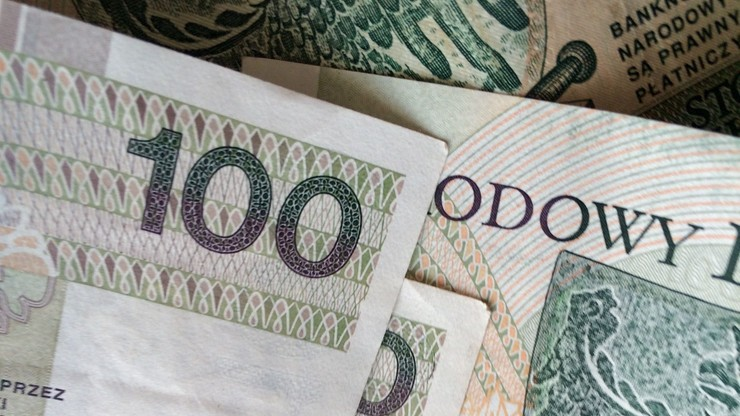 Złoty osłabł wobec dolara, euro i franka