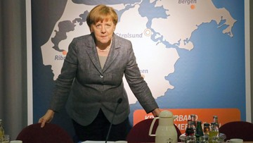 17-04-2016 22:25 Niemcy krytykują Merkel za decyzję o ściganiu satyryka