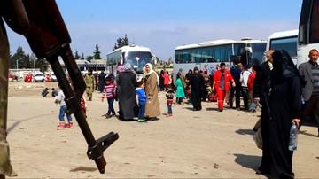 15-04-2017 13:24 Tysiące Syryjczyków spędziło noc w autokarach. Wstrzymano ewakuację