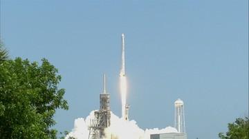 NASA wystrzeliła rakietę z transportem dla astronautów. Dostaną m.in. lody