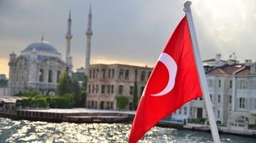 18-07-2017 06:54 Turecki sąd nakazał areszt śledczy wobec działaczy praw człowieka