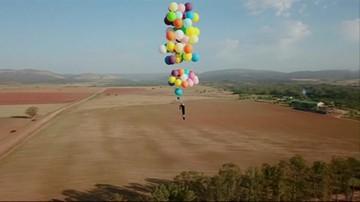 Przymocował do krzesła balony i przeleciał nad Afryką