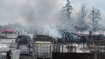 Wielki pożar fabryki rozpuszczalników. Ponad 200 strażaków na miejscu