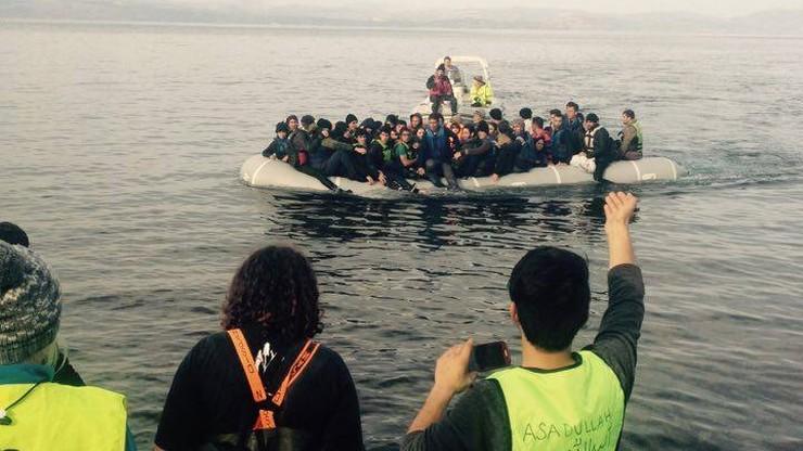 Imigranci płyną do Grecji. W ciągu doby Morze Egejskie pokonały 462 osoby