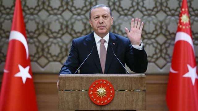 Erdogan o zestrzeleniu Su-24: mam nadzieję, że więcej się to nie wydarzy