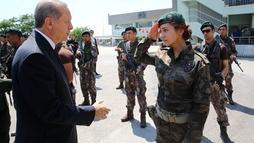 30-07-2016 16:05 Erdogan wycofa wszystkie akty oskarżenia o obrazę prezydenta