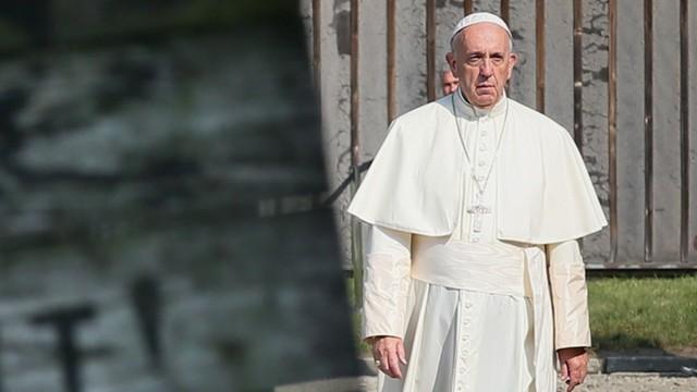 Watykan - Papież złożył świąteczne życzenia w języku migowym