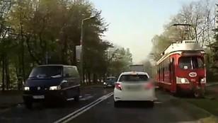 Sosnowiec: koszmarny wypadek na torach, kobieta wpadła pod tramwaj