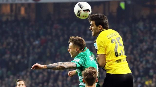 Liga niemiecka - Borussia Dortmund przeciwko budowie muru w USA