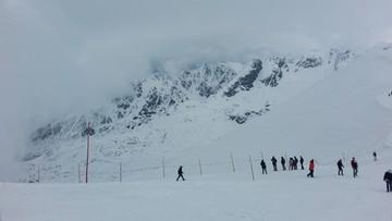 01-01-2016 13:15 Akcja ratunkowa w Tatrach. Turyści wyszli w góry bez raków i ześlizgnęli się z przełęczy