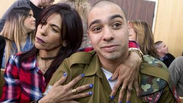 """Krytyka Izraela za """"zbyt pobłażliwy"""" wyrok dla żołnierza, który zabił rannego Palestyńczyka"""