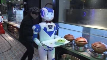 04-03-2017 08:46 Robot w muszce poda kolację. Wyjątkowi kelnerzy