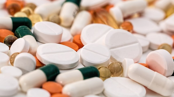 Mniej leków sprzedawanych poza aptekami. Resort zdrowia przygotował nowa listę