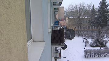 Zamrożone zwłoki bliźniąt na balkonie. Matka zmarła w szpitalu