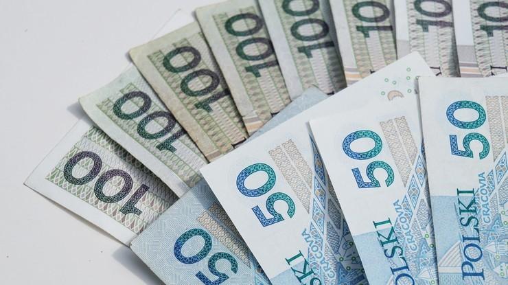 GUS: dochody budżetu państwa wyższe niż rok temu