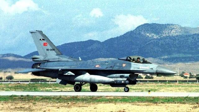 Rosja: armia powiadomiła o pierwszej wspólnej operacji z Turcją w Syrii