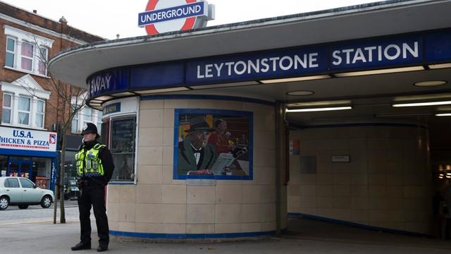 Wlk. Brytania: coraz więcej kobiet i nieletnich podejrzanych o terroryzm