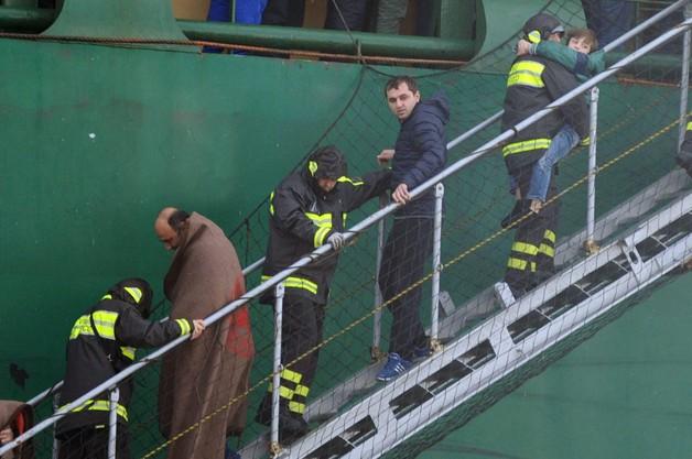 Ewakuacja promu: 363 osoby ewakuowane, 115 na pokładzie