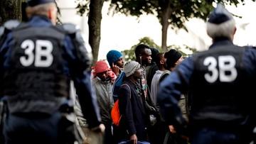 20-09-2016 16:10 Rozpoczęto budowę muru w Calais. Ma powstrzymać uchodźców