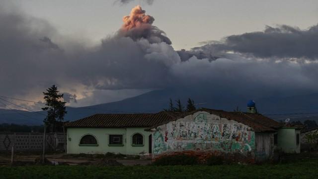 Ekwador: groźba wybuchu wulkanu, ogłoszono stan wyjątkowy