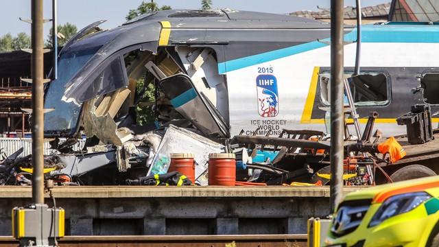 Czechy: zmarł trzeci pasażer pociągu, który zderzył się z polskim tirem