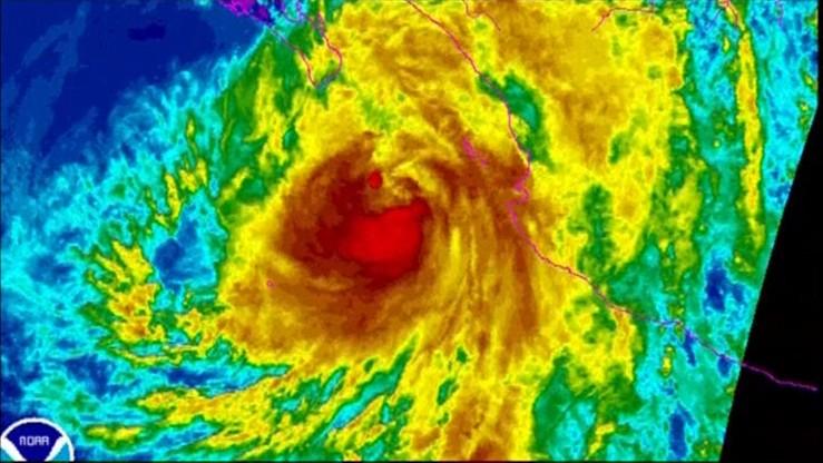 Potężny huragan zbliża się do Meksyku. Prędkość wiatru dochodzi do 120 km/godz