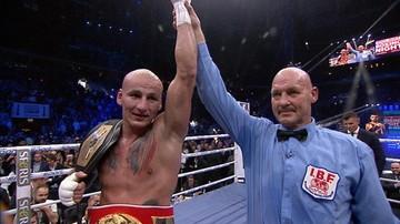 09-12-2015 12:49 Artur Szpilka będzie walczył o pas mistrza świata z Wilderem!
