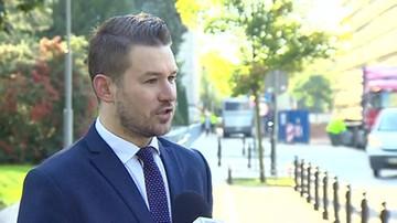 Podejrzany pakunek przed Sejmem.