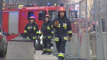 26-02-2016 14:02 Pożar na budowie wieżowca Q22 w Warszawie. Zapaliła się elewacja budynku
