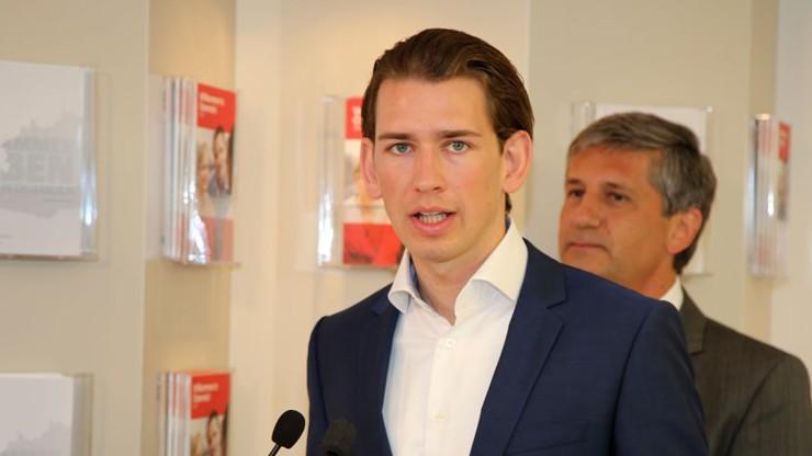Austria: UE powinna zamknąć uchodźców na wyspach