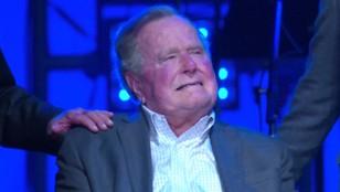 Kłopoty Busha seniora. Szósta kobieta oskarża go o molestowanie