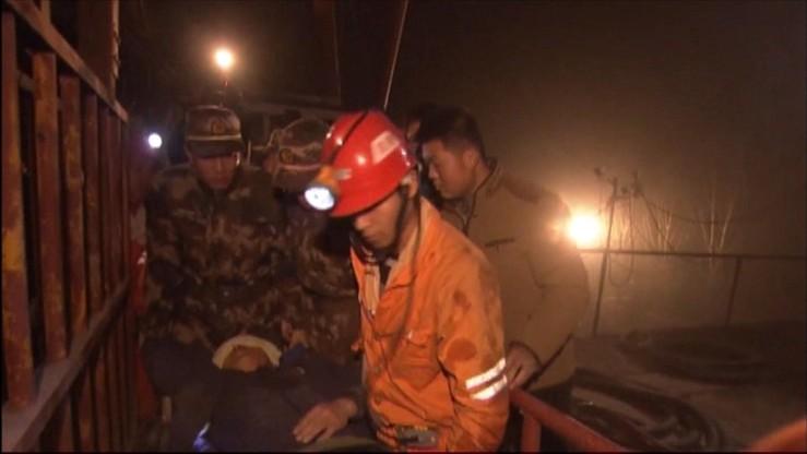 Chiny: 17 górników wciąż uwięzionych w kopalni. Jeden nie żyje