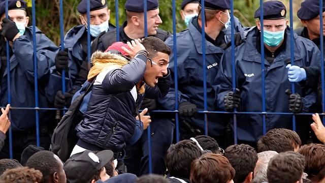 Chorwacja zniosła blokadę na granicy z Serbią