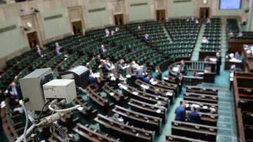 15-01-2016 11:19 Sejm przyjął nowelizację zasad inwigilacji przez służby