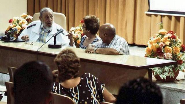 Fidel Castro pojawił się publicznie pierwszy raz od 3 miesięcy