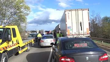 Samochód, którym podróżował wiceszef policji staranował dwa auta pod Ostródą