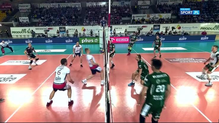 2017-02-25 Śmiesznie w meczu na szczycie Plusligi! Niecodzienny punkt