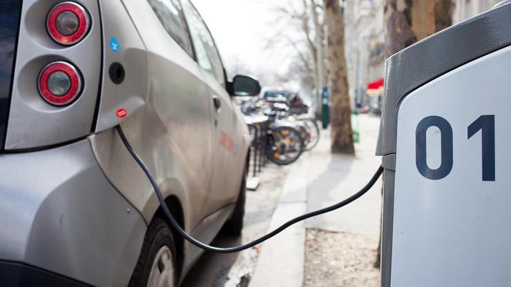 Niemcy: rząd dopłaci tysiące euro przy zakupie aut na prąd