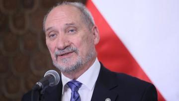 Macierewicz: prezydent powinien zwrócić SKW aneks WSI