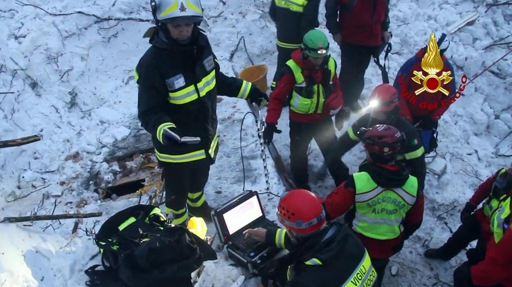 Włochy: z zasypanego hotelu wydobyto ciało 25 ofiary