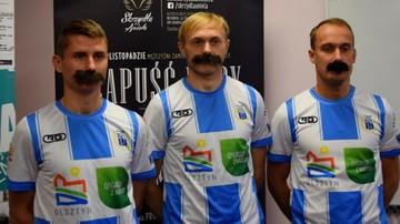 2015-11-05 PROSTAta sprawa w Olsztynie. Piłkarze Stomilu wspierają szczytną akcję