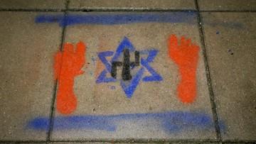 Swastyka w gwieździe Dawida. Ministerstwo kultury potępia akt wandalizmu na cmentarzu