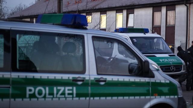 Niemcy: Policja dementuje informacje o śmierci uchodźcy